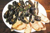 Steamed Prince Edward Island Mussels in a Garlic Cream Sauce